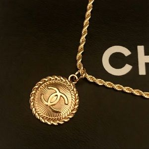 CHANEL Auth Gold CC Logo Pendant + Gold Necklace
